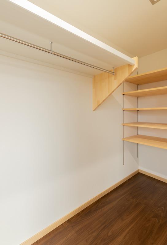 2階部屋1 クローゼット