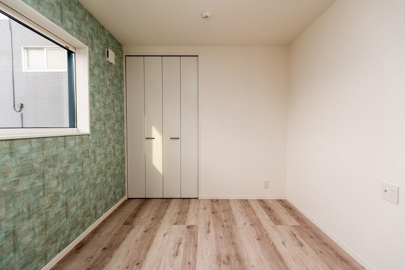 room_1-00007