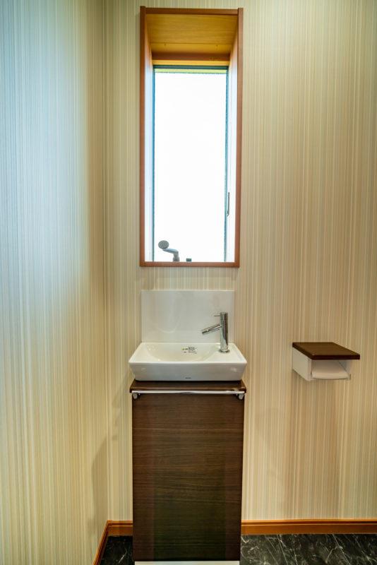 2F_toilet-00002