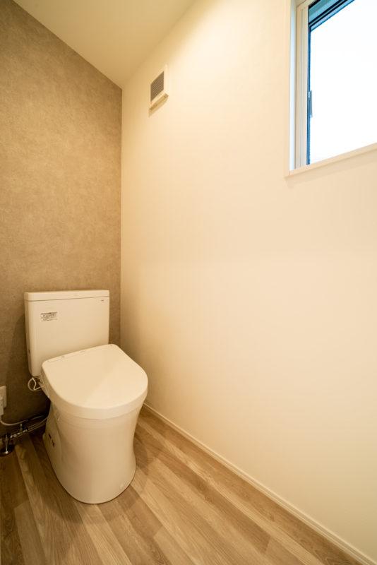 2F_toilet-00001